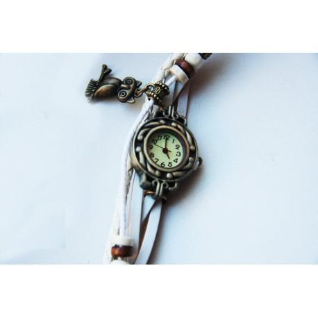 Laikrodis - moteriška apyrankė baltos spalvos